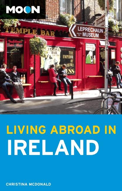 Reisgids Abroad in Ireland - Ierland   Moon Handbooks   Christina McDonald