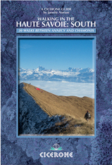 Wandelgids Walking in the Haute Savoie: South - 30 walks between Annecy and Chamonix (boek 2)   Cicerone